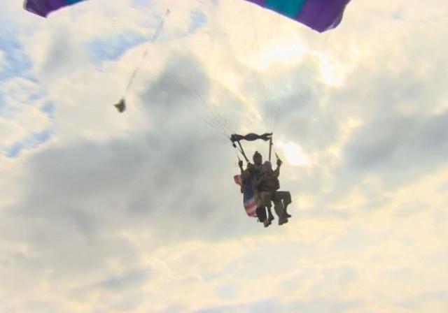 http://www.cnn.com/2014/06/05/world/europe/d-day-paratrooper-jumps-again/