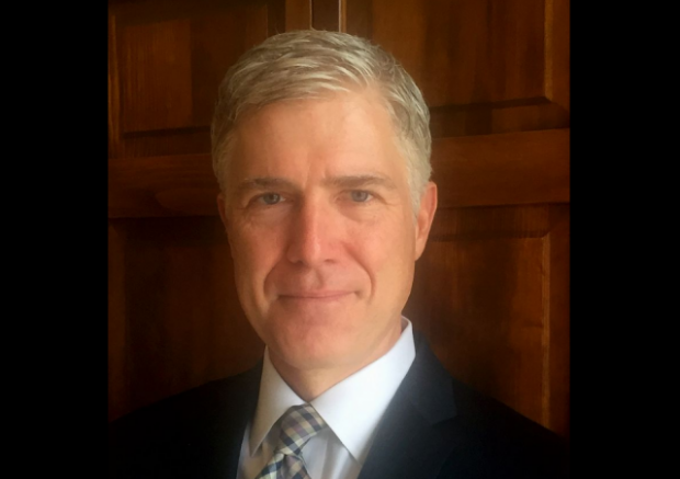 https://en.wikipedia.org/wiki/Neil_Gorsuch#/media/File:Neil_Gorsuch_10th_Circuit.jpg