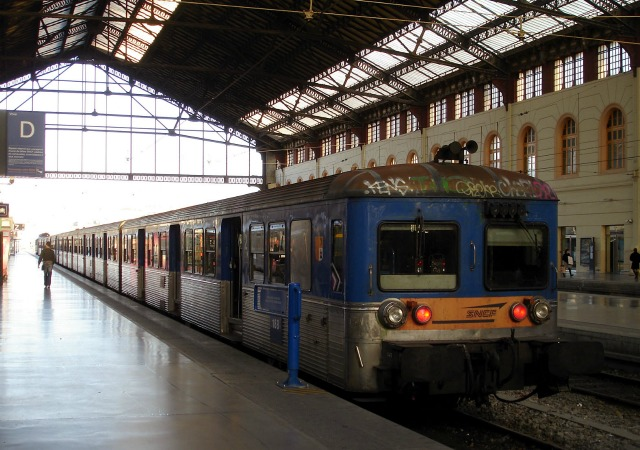 https://commons.wikimedia.org/wiki/File:Gare_de_Marseille-Saint-Charles_-_RIO_-_02.jpg