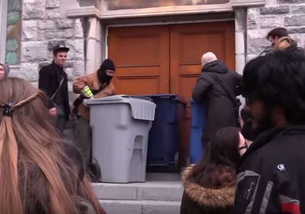 Canada: Woman protests against controversial Toronto professor, arrested