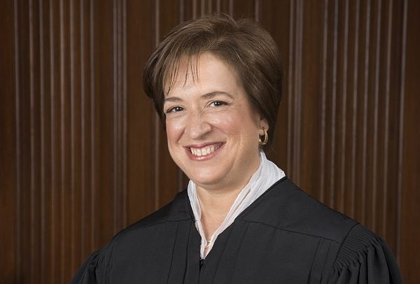 https://en.wikipedia.org/wiki/File:Elena_Kagan_Official_SCOTUS_Portrait_%282013%29.jpg
