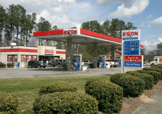 https://commons.wikimedia.org/wiki/File:2012-03-13_Exxon_with_Shop_%26_Go_in_Durham.jpg